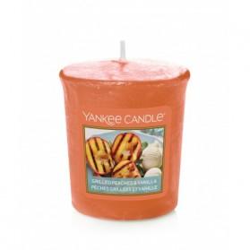 Grilled Peaches & Vanilla sampler